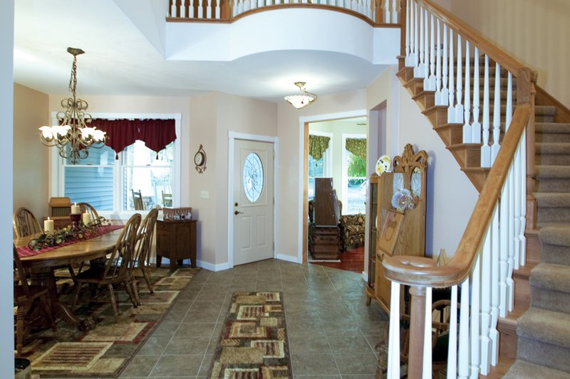 Craftsman Interior - Entry Plan #120-198 - Houseplans.com