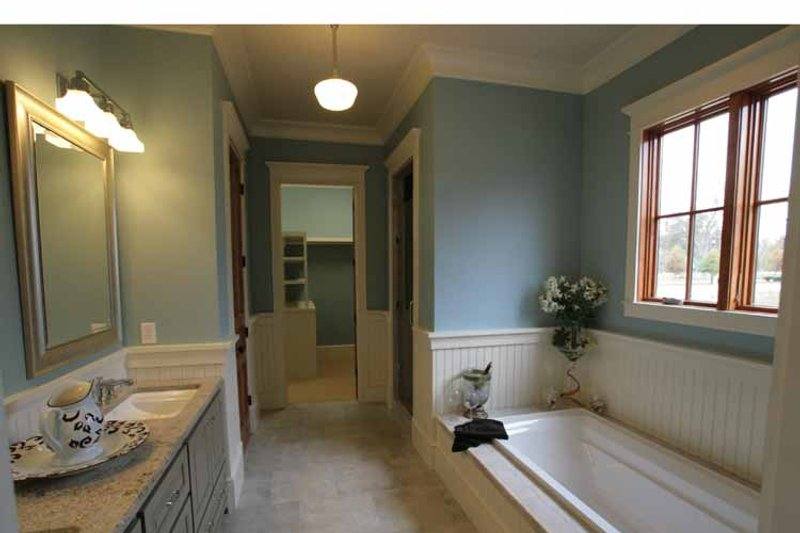 Craftsman Interior - Master Bathroom Plan #37-279 - Houseplans.com
