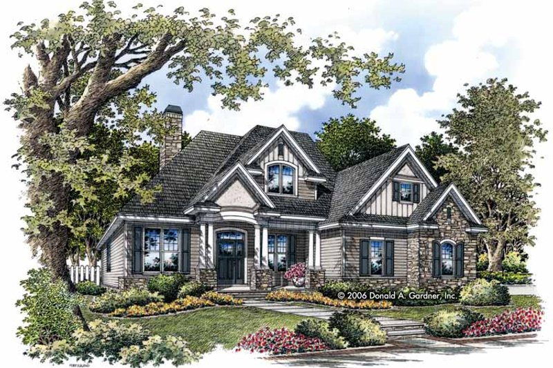 Traditional Exterior - Front Elevation Plan #929-822 - Houseplans.com