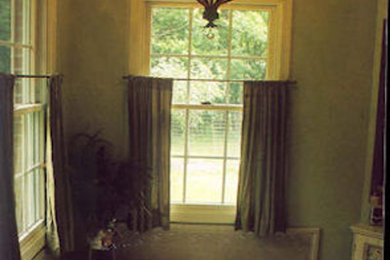 Southern Photo Plan #44-152 - Houseplans.com