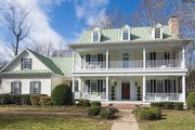 Southern Style House Plan - 4 Beds 3 Baths 3057 Sq/Ft Plan #137-107 Exterior - Front Elevation