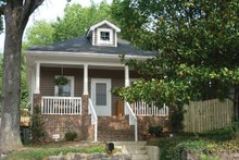 Craftsman Exterior - Front Elevation Plan #936-22