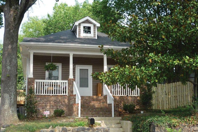 Architectural House Design - Craftsman Exterior - Front Elevation Plan #936-22