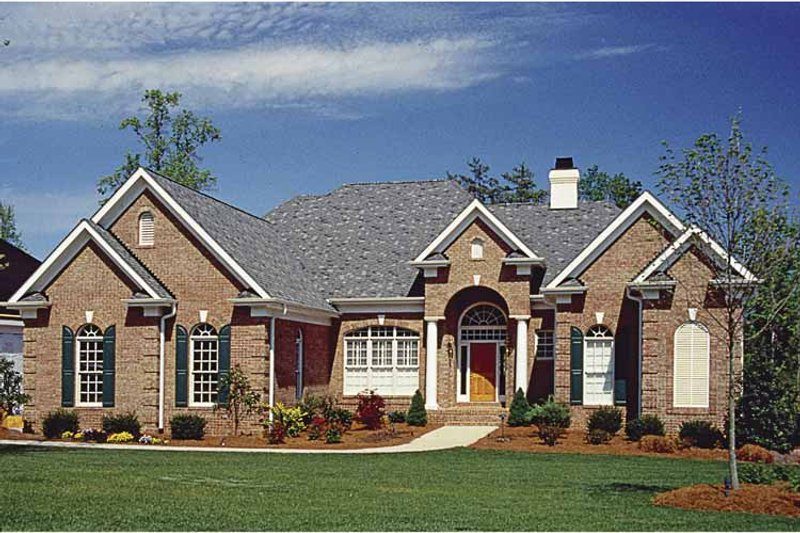 Traditional Exterior - Front Elevation Plan #453-568 - Houseplans.com