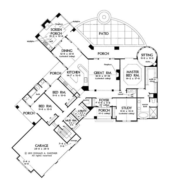 Craftsman Floor Plan - Main Floor Plan Plan #929-962
