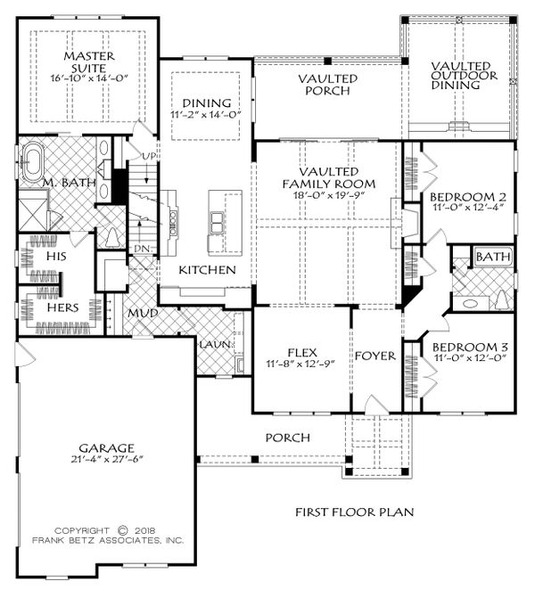 Farmhouse Floor Plan - Main Floor Plan Plan #927-989