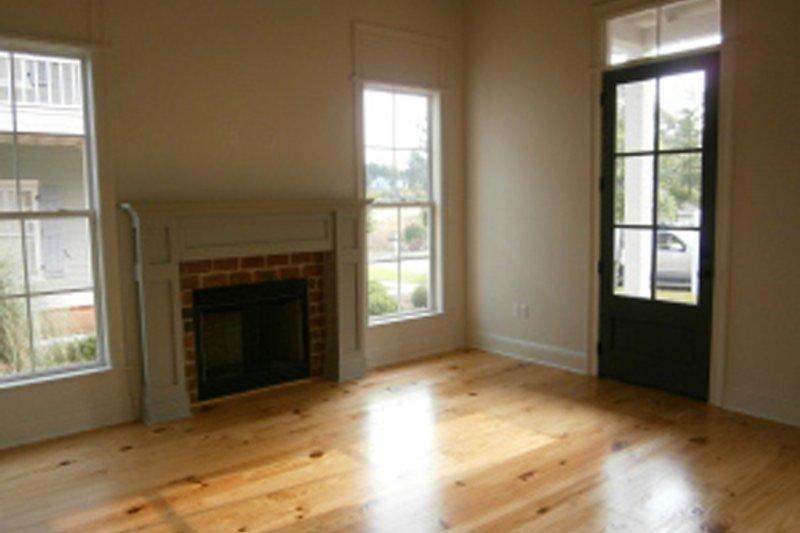 Cottage Interior - Family Room Plan #430-63 - Houseplans.com