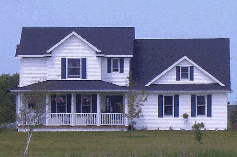 Traditional Exterior - Front Elevation Plan #20-675 - Houseplans.com