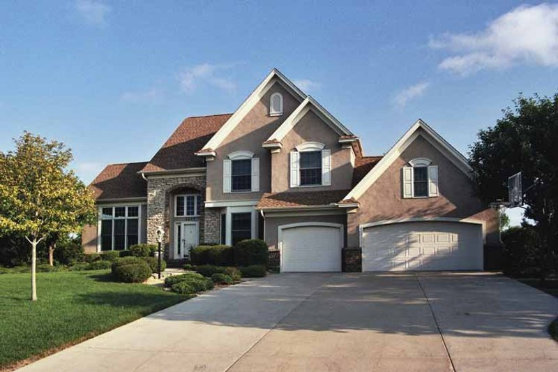 Traditional Exterior - Front Elevation Plan #51-894 - Houseplans.com