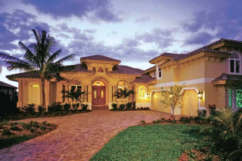 Mediterranean Exterior - Front Elevation Plan #1017-3 - Houseplans.com