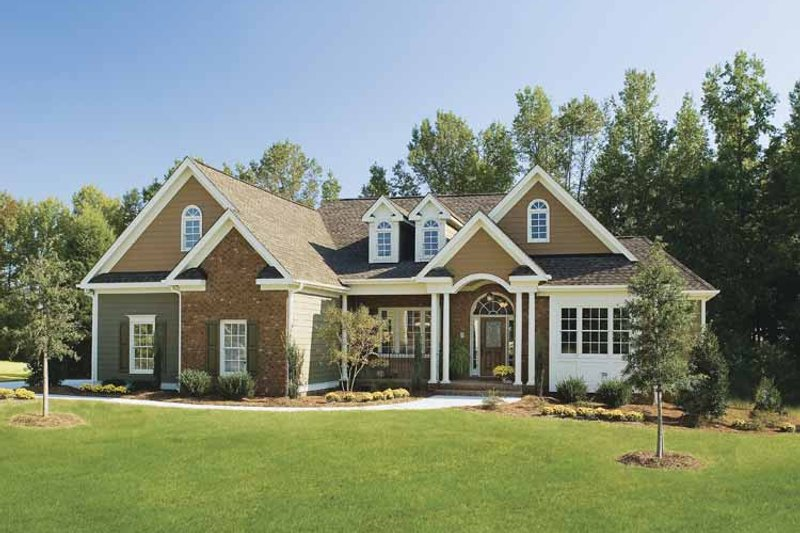 House Plan Design - Traditional Exterior - Front Elevation Plan #929-708
