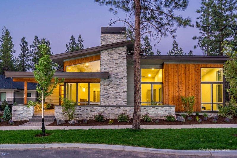Dream House Plan - Modern Exterior - Front Elevation Plan #895-101