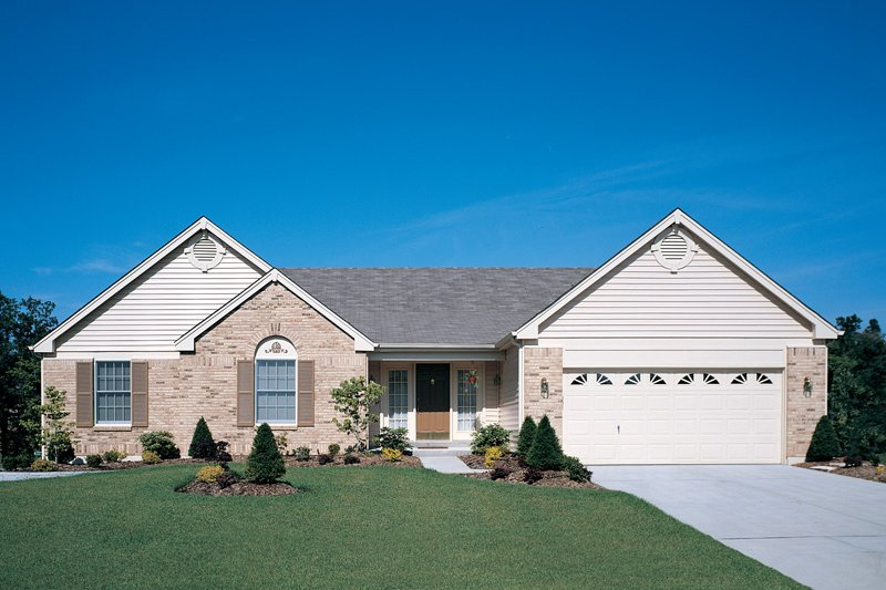 Home Plan - Traditional Exterior - Front Elevation Plan #57-104