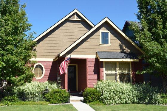 Cottage Exterior - Front Elevation Plan #910-2