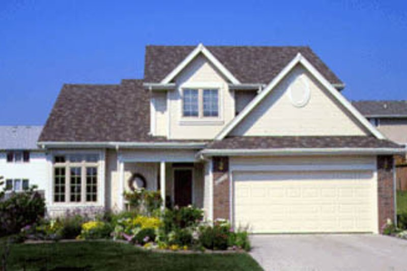 Traditional Exterior - Front Elevation Plan #20-290 - Houseplans.com
