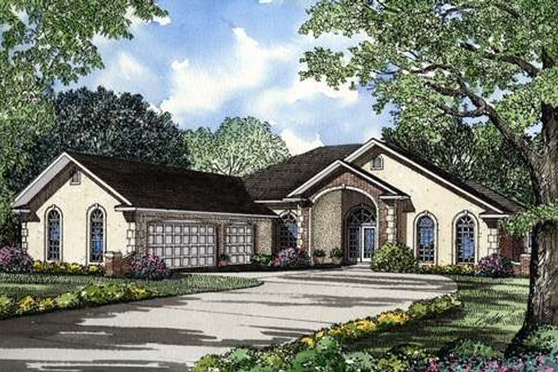 Southern Style House Plan - 4 Beds 3.5 Baths 3124 Sq/Ft Plan #17-112 Exterior - Front Elevation