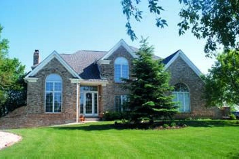 Dream House Plan - Traditional Exterior - Front Elevation Plan #20-1073