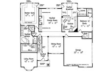 Traditional Floor Plan - Main Floor Plan Plan #927-33