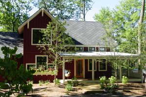 Farmhouse Exterior - Front Elevation Plan #901-11