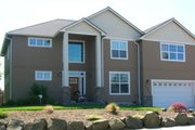 Traditional Style House Plan - 3 Beds 2.5 Baths 3092 Sq/Ft Plan #133-108 Exterior - Front Elevation