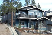 Craftsman Style House Plan - 3 Beds 2.5 Baths 1693 Sq/Ft Plan #895-89 Exterior - Front Elevation