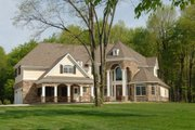 Traditional Style House Plan - 5 Beds 3 Baths 4765 Sq/Ft Plan #119-234 Exterior - Front Elevation
