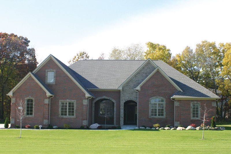 Architectural House Design - European Exterior - Front Elevation Plan #20-2460