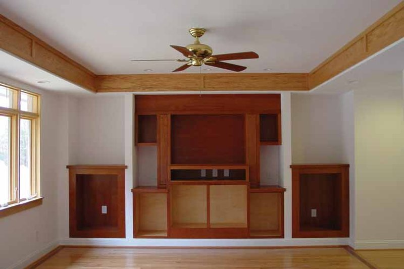 Traditional Interior - Family Room Plan #939-2 - Houseplans.com
