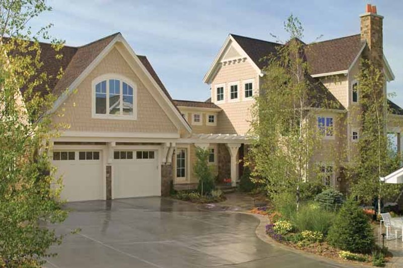 Traditional Exterior - Front Elevation Plan #928-95 - Houseplans.com