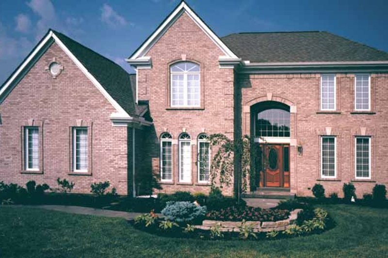 Traditional Exterior - Front Elevation Plan #46-575 - Houseplans.com