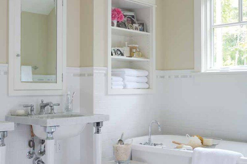 Craftsman Interior - Bathroom Plan #928-64 - Houseplans.com