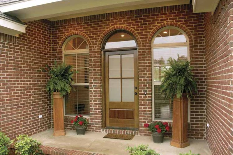 Traditional Exterior - Front Elevation Plan #21-422 - Houseplans.com