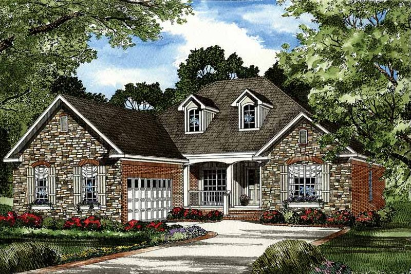 Traditional Exterior - Front Elevation Plan #17-2887 - Houseplans.com
