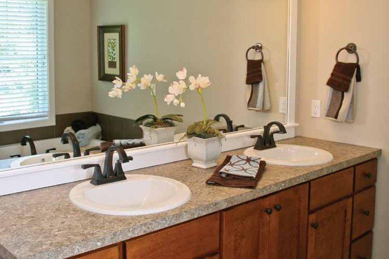 Craftsman Interior - Master Bathroom Plan #928-196 - Houseplans.com