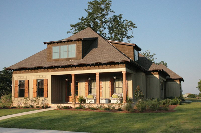 Craftsman Exterior - Front Elevation Plan #37-279 - Houseplans.com