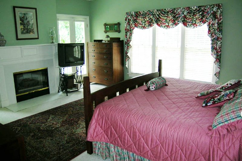 Classical Interior - Master Bedroom Plan #137-298 - Houseplans.com