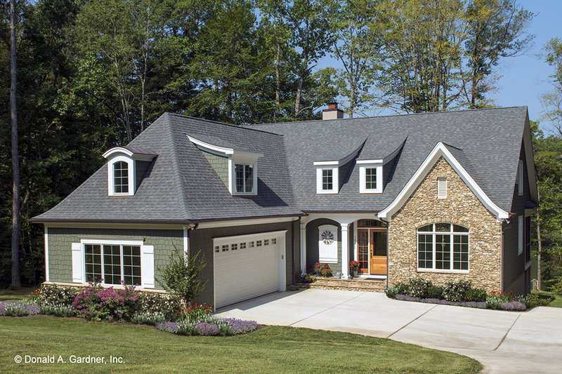 Cottage Exterior - Front Elevation Plan #929-960