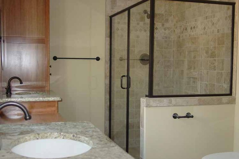 Traditional Interior - Master Bathroom Plan #939-3 - Houseplans.com