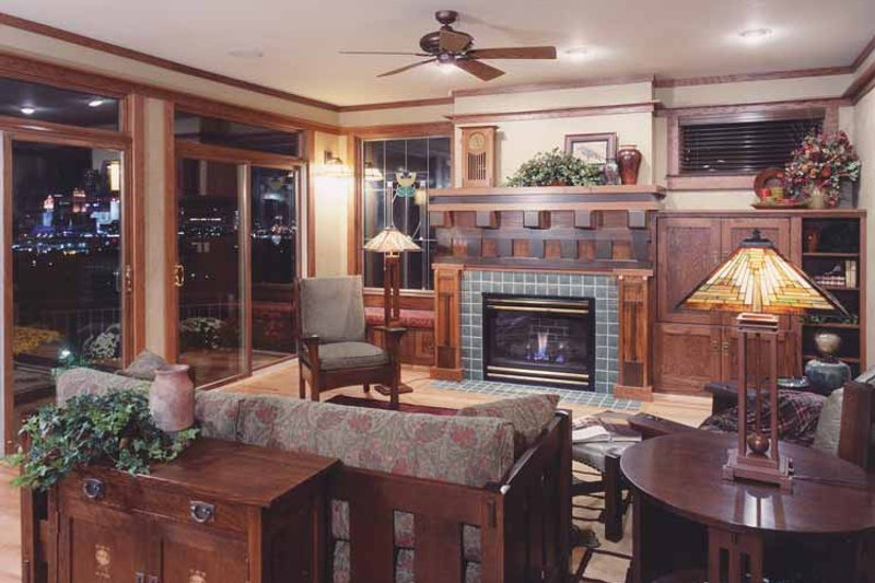 Craftsman Interior - Family Room Plan #46-749 - Houseplans.com