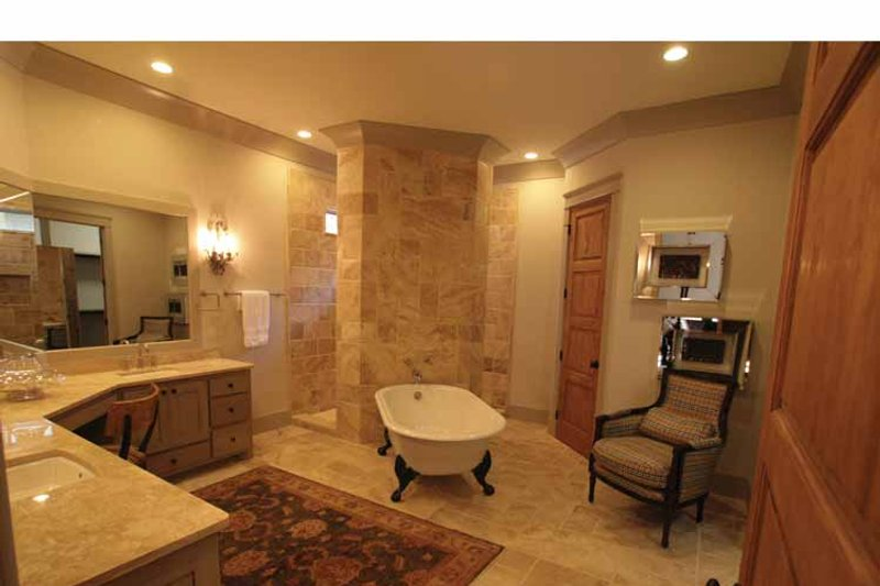 Bungalow Interior - Master Bathroom Plan #37-278 - Houseplans.com