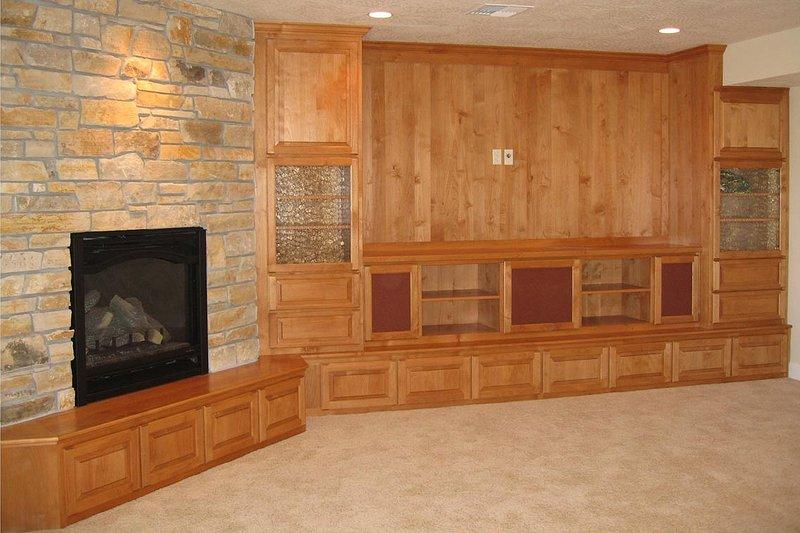 Craftsman Interior - Family Room Plan #124-622 - Houseplans.com