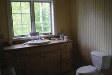 Traditional Interior - Bathroom Plan #118-145