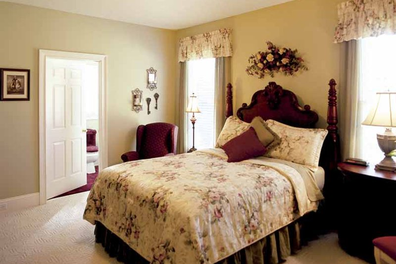 Colonial Interior - Bedroom Plan #927-174 - Houseplans.com