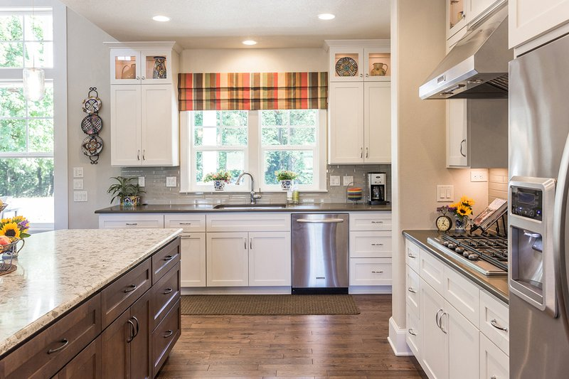 Craftsman Photo Plan #124-925 - Houseplans.com