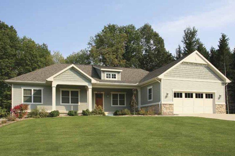 Craftsman Exterior - Front Elevation Plan #928-135 - Houseplans.com
