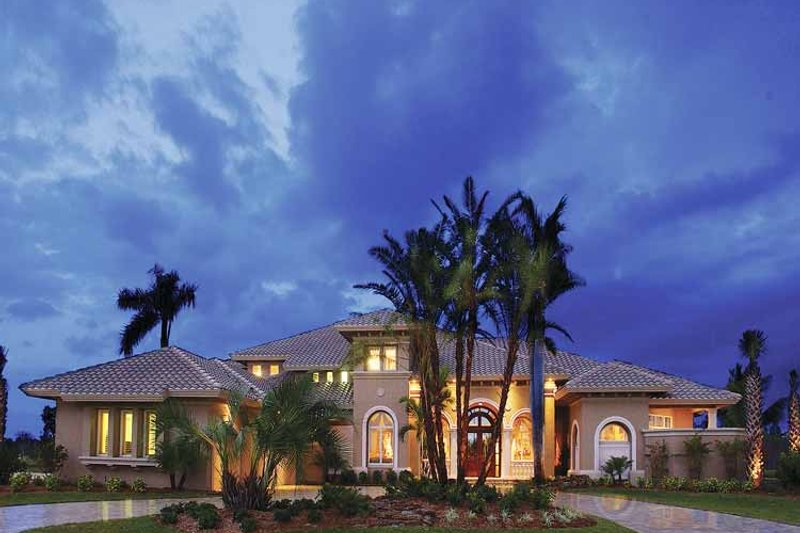 House Plan Design - Mediterranean Exterior - Front Elevation Plan #930-329