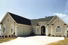 House Plan Design - Traditional Exterior - Front Elevation Plan #453-522