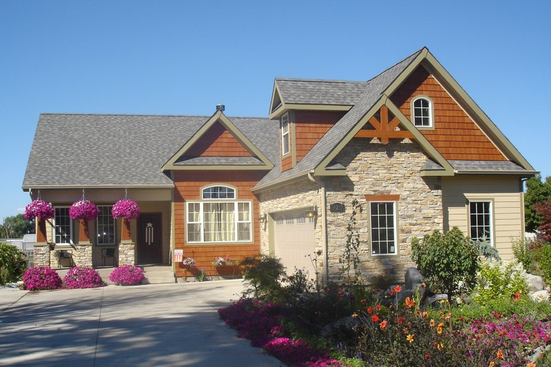 Home Plan - Front View - 1830 square foot Craftsman home