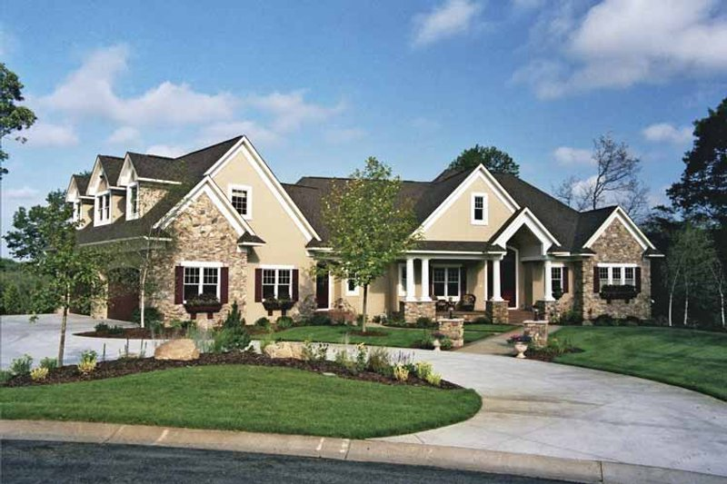 House Plan Design - European Exterior - Front Elevation Plan #51-690