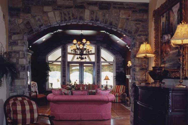 Country Interior - Family Room Plan #46-747 - Houseplans.com